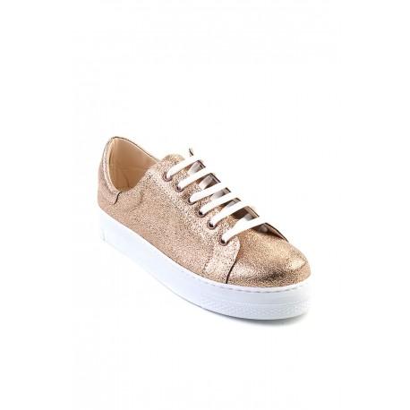 کفش اسپرت طلایی