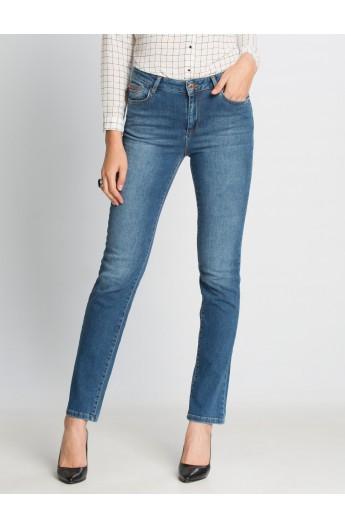 شلوار جین ساده و راسته زنانه
