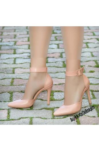 کفش سگک دار زنانه