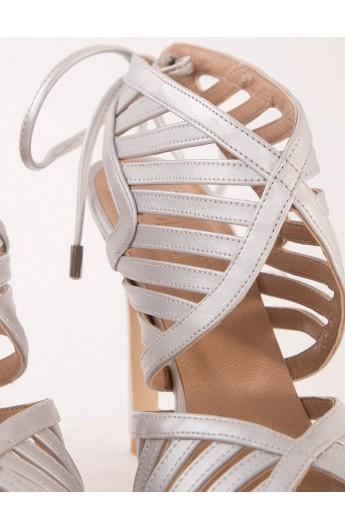 کفش بند دار زنانه