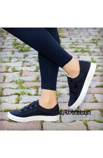 کفش چسبی زنانه