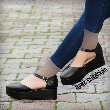 کفش پاشنه سرهمی زنانه