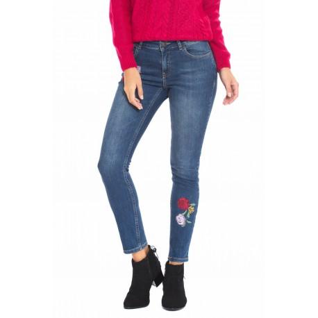 شلوار جین گلدار زنانه