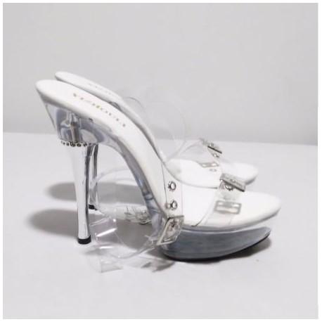 کفش پاشنه شیشه ای
