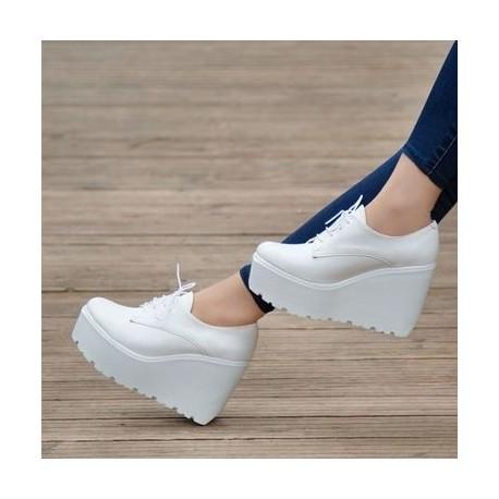 کفش لژدار سفید