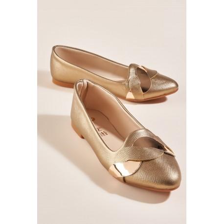 کفش طلایی