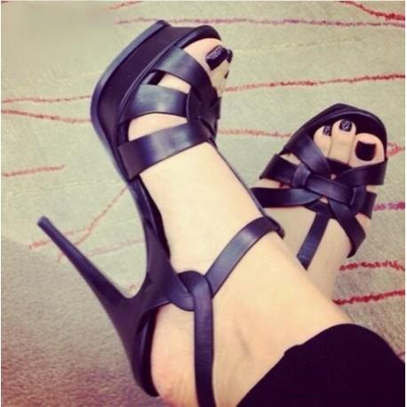 کفش پاشنه دار جدید