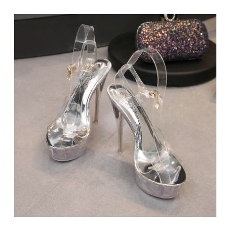 کفش پاشنه بلند شیشه ای