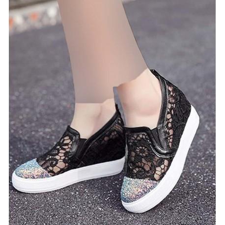 کفش کار شده زنانه