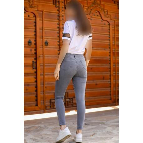 شلوار جین زنانه