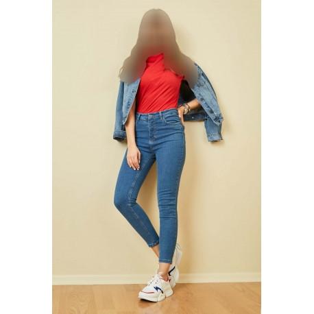 شلوار جین جذب و کوتاه زنانه