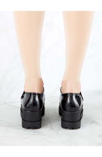 کفش لژدار و سگک دار زنانه