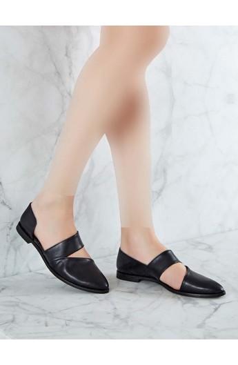 کفش مدل دار و تخت زنانه