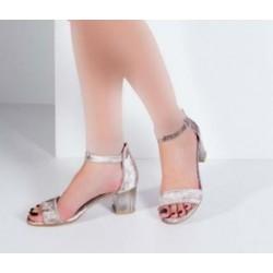 کفش پاشنه طرح دار زنانه